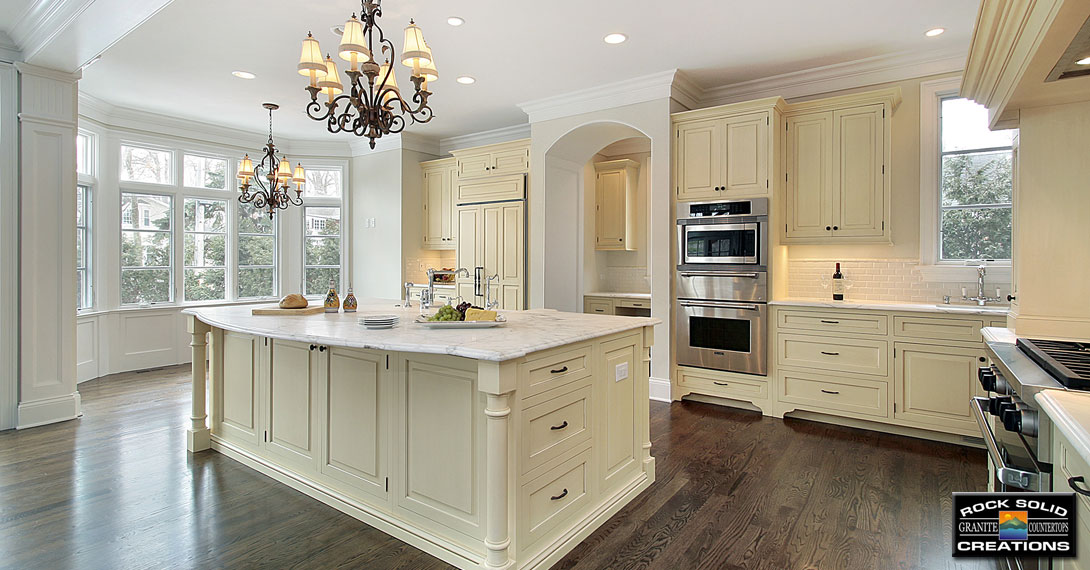 Kitchens with Off White Cabinets 1090 x 570